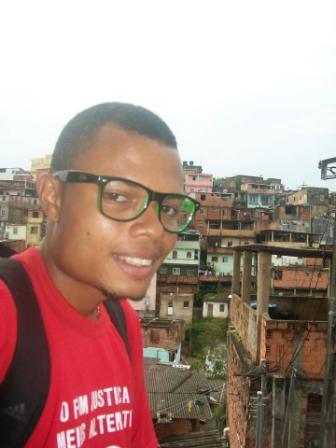 http://www.polifoniaperiferica.com.br/wp-content/uploads/2012/03/Enderson-Araujo.jpg