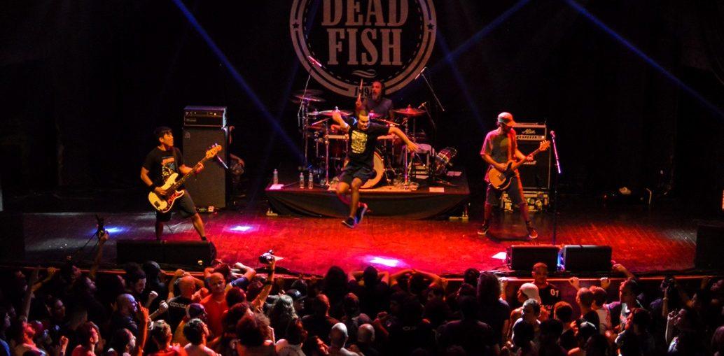 Dead Fish - Créditos: Ramon Vellasco
